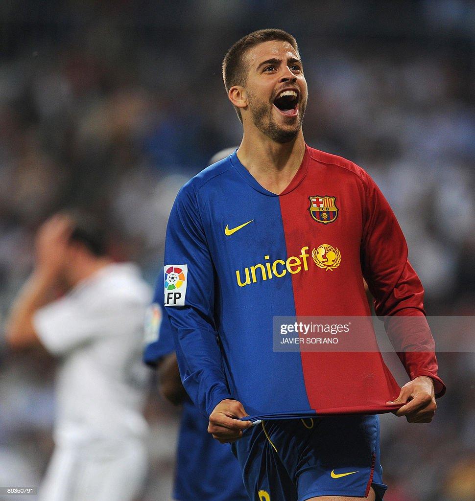 Barcelona s Gerard Pique celebrates afte