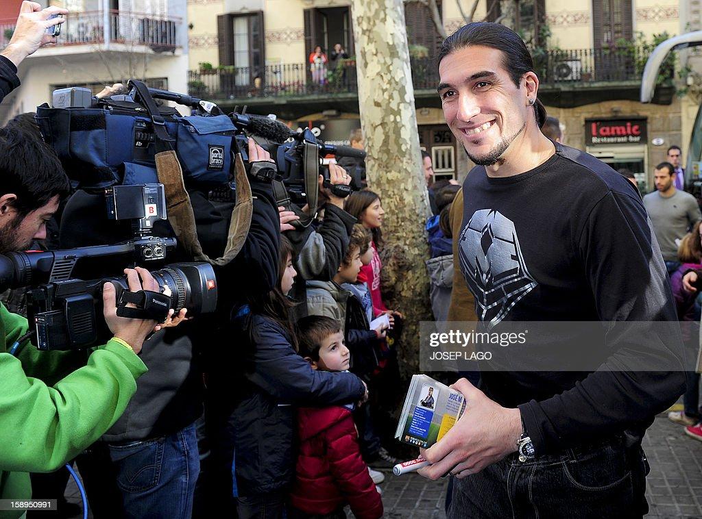 Barcelona's goalkeeper Jose Manuel Pinto arrives for visit to children and medical staff at the Hospital de Nens (the Children's Hospital) in Barcelona on January 4, 2013.