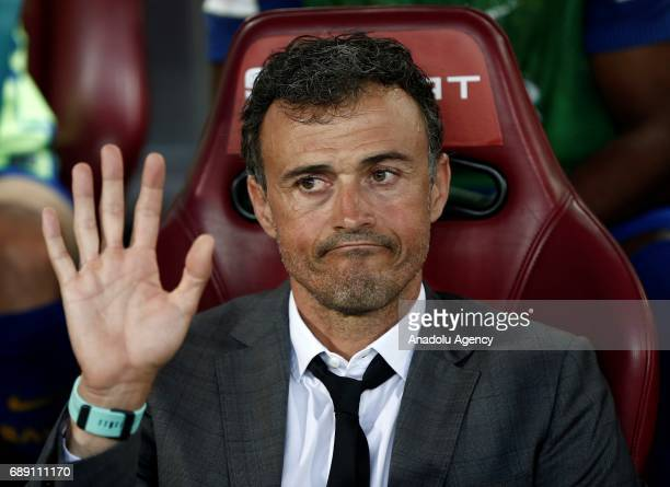 Barcelona's head coach Luis Enrique looks on ahead of the Copa Del Rey Final between FC Barcelona and Deportivo Alaves at Vicente Calderon Stadium on...