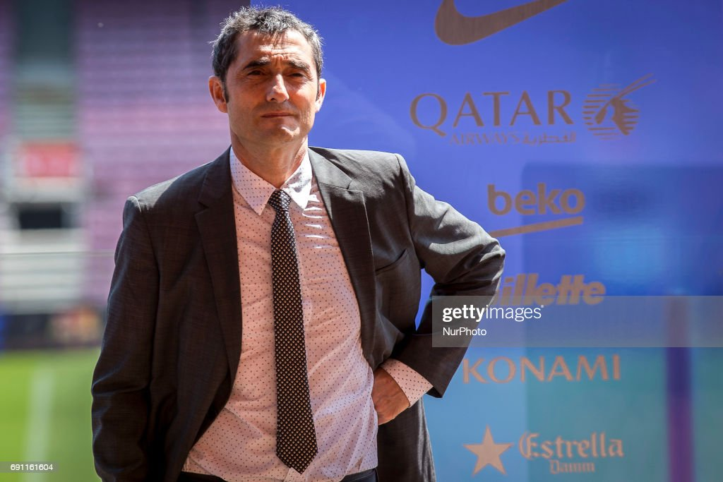 FC Barcelona's new head coach Ernesto Valverde (L) gestures during a press conference for his presentation at Camp Nou stadium in Barcelona, Spain on June 01, 2017.