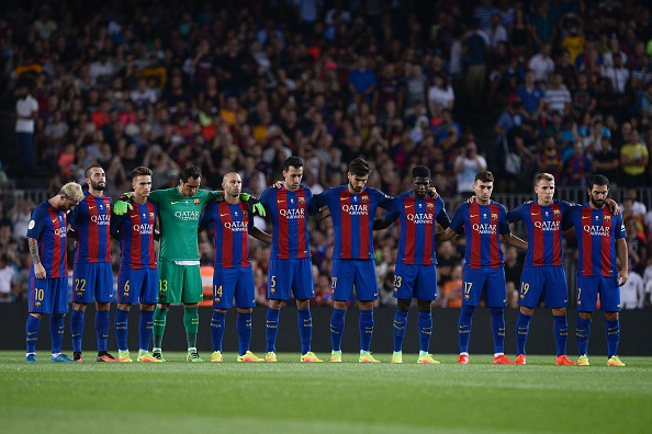 Hilo del FC Barcelona Barcelonas-players-observe-a-minute-of-silence-in-memory-of-fifas-picture-id591564520?k=6&m=591564520&s=594x594&w=0&h=vw6t1uqu6I7t7xhRnbKMspGiaUq8ew2f5Zs46EQIcnU=