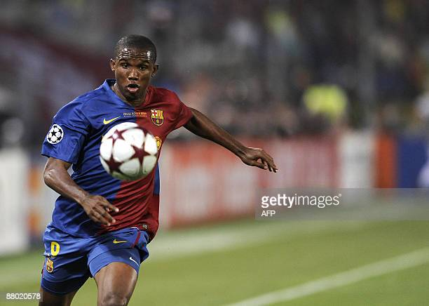 Barcelona's Samuel Eto'o runs with the ball during the UEFA football Champions League final against Manchester United on May 27 2009 at the Olympic...
