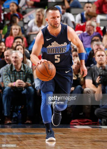 J Barea of the Dallas Mavericks handles the ball against the LA Clippers on December 2 2017 at the American Airlines Center in Dallas Texas NOTE TO...