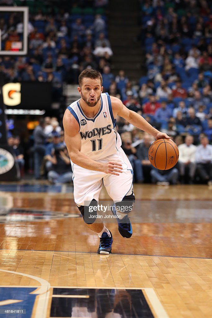 J.J. Barea #11 of the Minnesota Timberwolves dribbles the ball against the Los Angeles Clippers on March 31, 2014 at Target Center in Minneapolis, Minnesota.