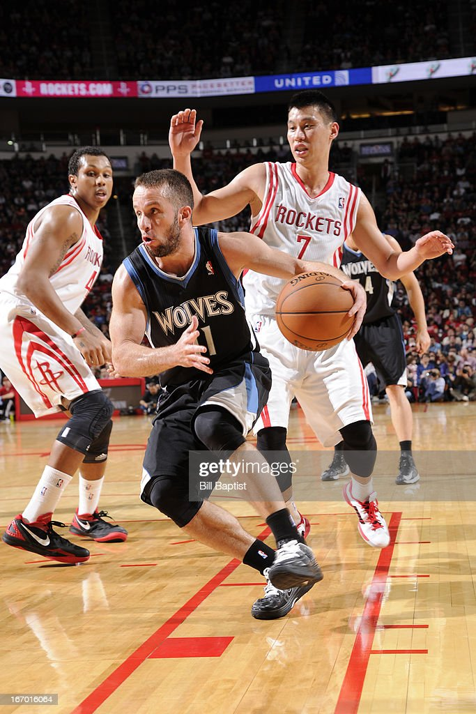 J.J. Barea #11 of the Minnesota Timberwolves dribbles to the hoop against <a gi-track='captionPersonalityLinkClicked' href=/galleries/search?phrase=Jeremy+Lin&family=editorial&specificpeople=6669516 ng-click='$event.stopPropagation()'>Jeremy Lin</a> #7 of the Houston Rockets on March 15, 2013 at the Toyota Center in Houston, Texas.