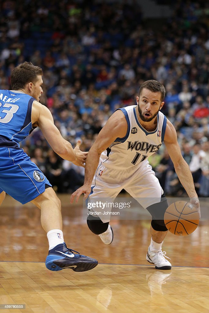 J.J. Barea #11 of the Minnesota Timberwolves drives to the basket against the Dallas Mavericks on November 8, 2013 at Target Center in Minneapolis, Minnesota.