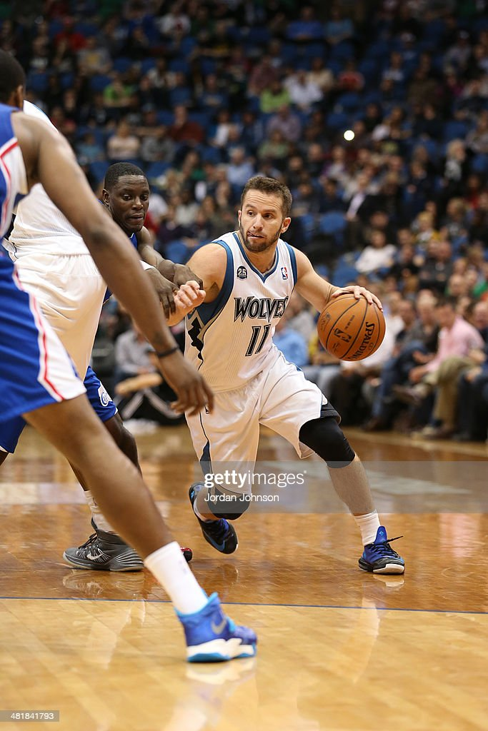 J.J. Barea #11 of the Minnesota Timberwolves drives to the basket against the Los Angeles Clippers on March 31, 2014 at Target Center in Minneapolis, Minnesota.