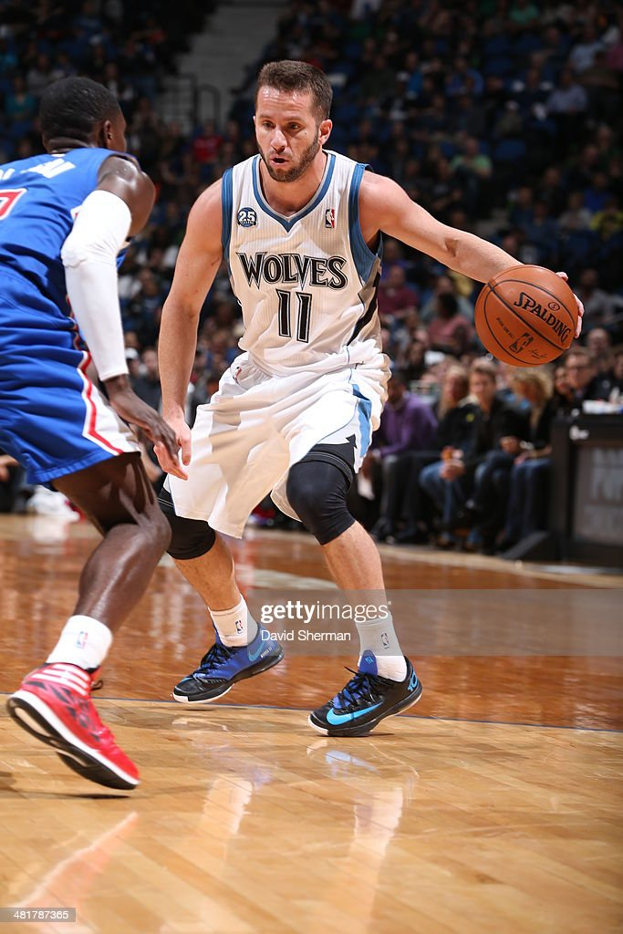 J.J. Barea #11 of the Minnesota Timberwolves handles the ball against the Los Angeles Clippers on March 31, 2014 at Target Center in Minneapolis, Minnesota.