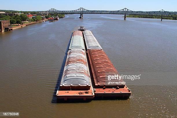 Barge sur la rivière Illinois