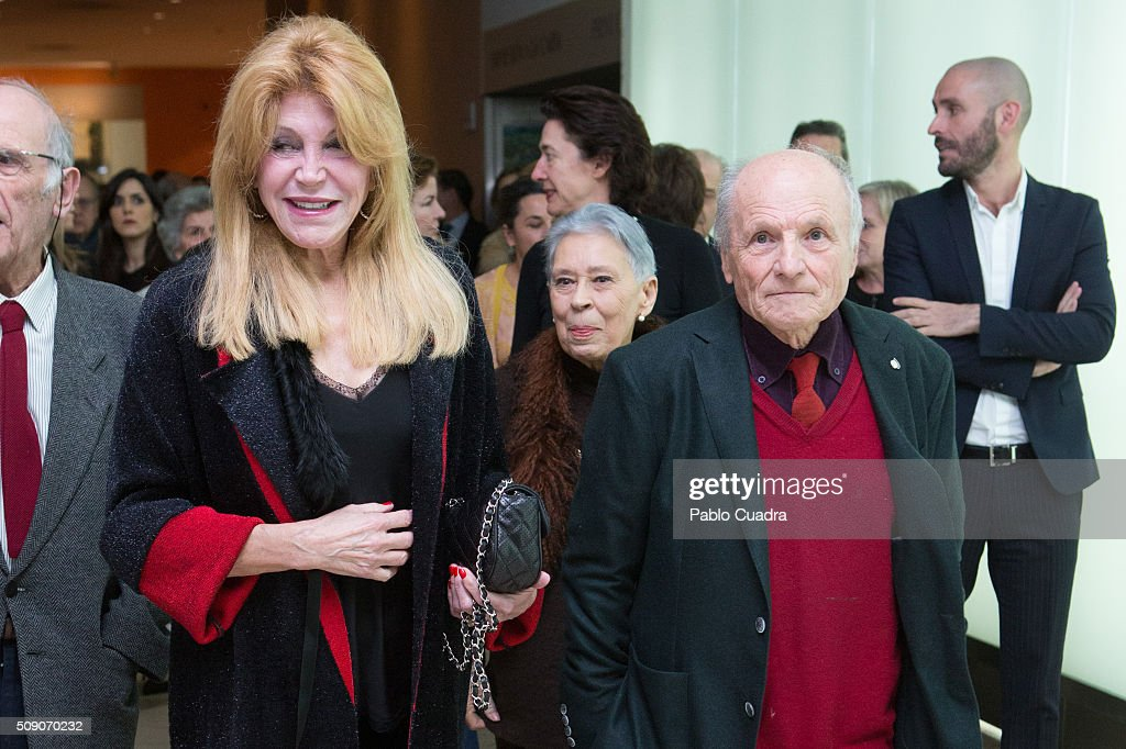 Baroness Carmen Thyssen (L) and Antonio Lopez Garcia (R) attend the 'Realistas de Madrid' exhibition at Thyssen Museum on February 8, 2016 in Madrid, Spain.