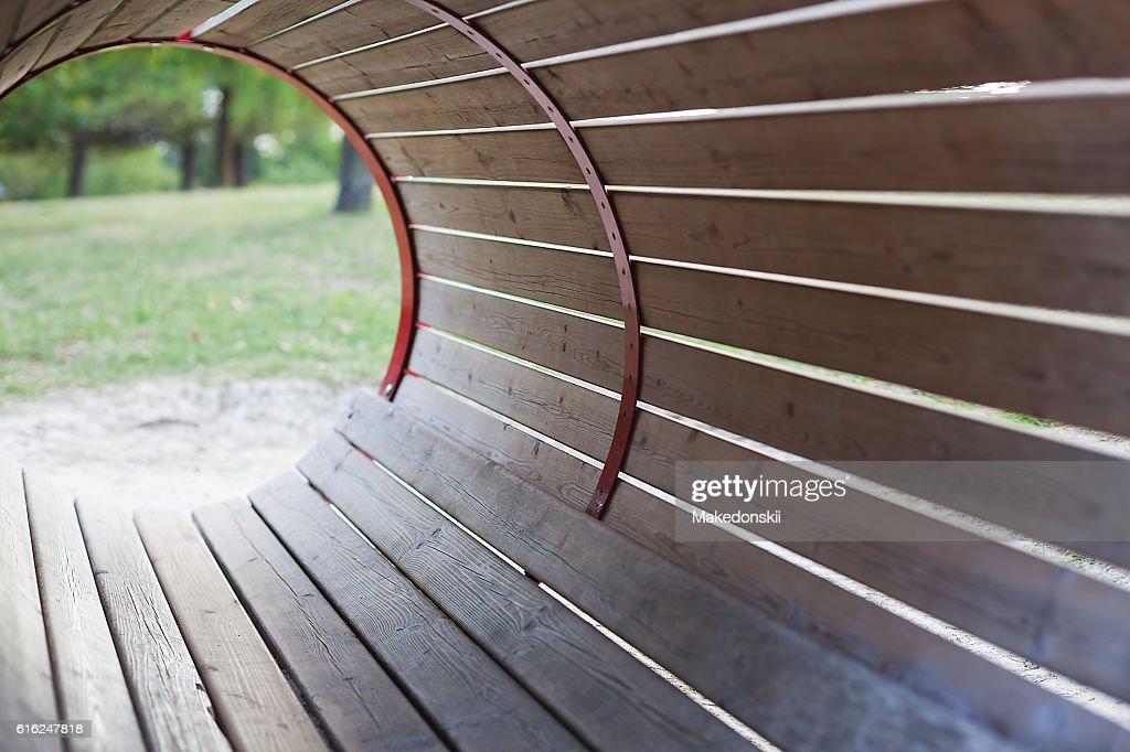 Barrel shaped structure made of planks. : Stock-Foto
