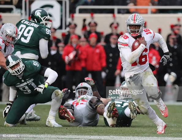 Ohio State v Michigan State : News Photo