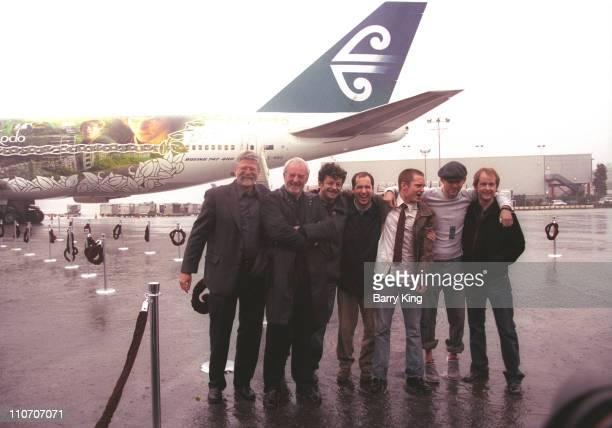 Barrie M Osborne Bernard Hill Andy Serkis Mark Ordesky Elijah Wood Dominic Monaghan Billy Boyd