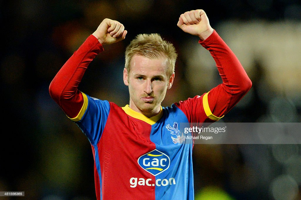 <a gi-track='captionPersonalityLinkClicked' href=/galleries/search?phrase=Barry+Bannan&family=editorial&specificpeople=5449430 ng-click='$event.stopPropagation()'>Barry Bannan</a> of Crystal Palace celebrates victory after the Barclays Premier League match between Hull City and Crystal Palace at KC Stadium on November 23, 2013 in Hull, England.