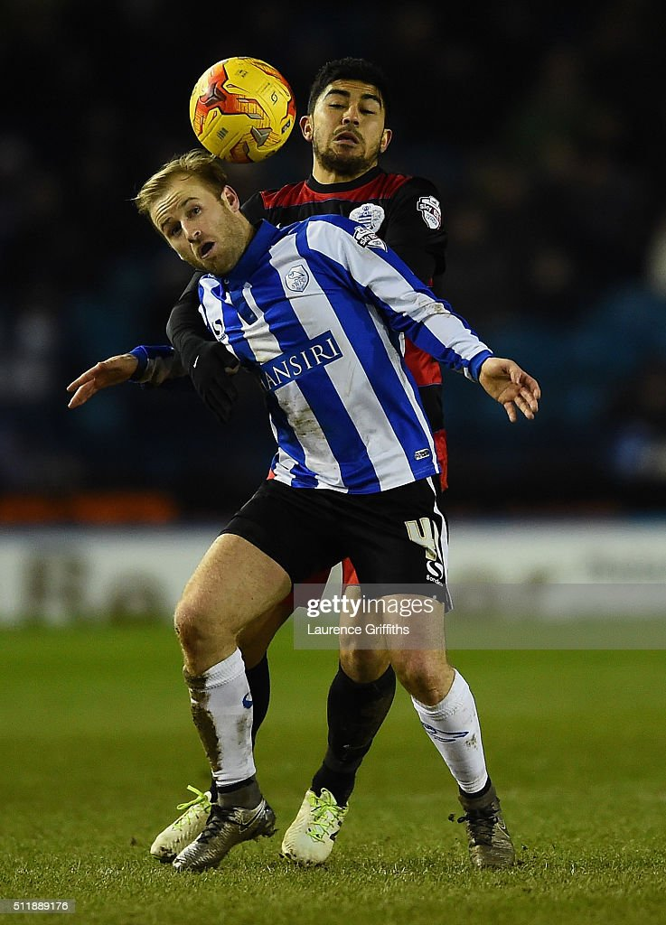 Barry Bannan of Sheffield Wednesday battles with Massimo Luongo of Queens Park Rangers during the Sky Bet Championship match between Sheffield Wednesday and Queens Park Rangers at Hillsborough on February 23, 2016 in Sheffield, United Kingdom.