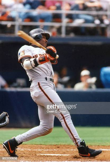 Barry Bonds of the San Francisco Giants bats against the San Diego Padres at Jack Murphy Stadium circa 1994 in San Diego California