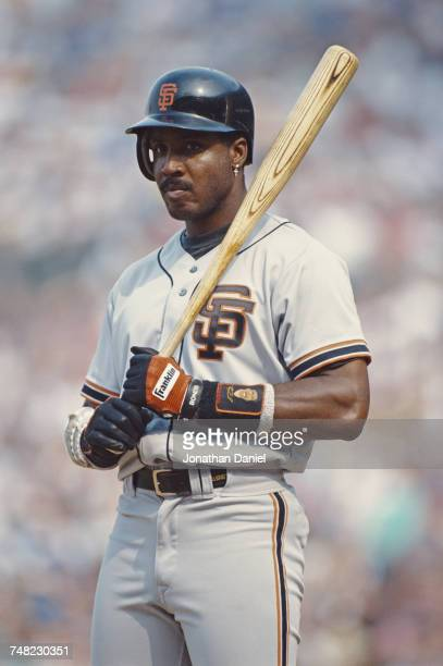 Barry Bonds of the San Francisco Giants stands on deck during the Major League Baseball National League East game against the Chicago Cubs on 13...