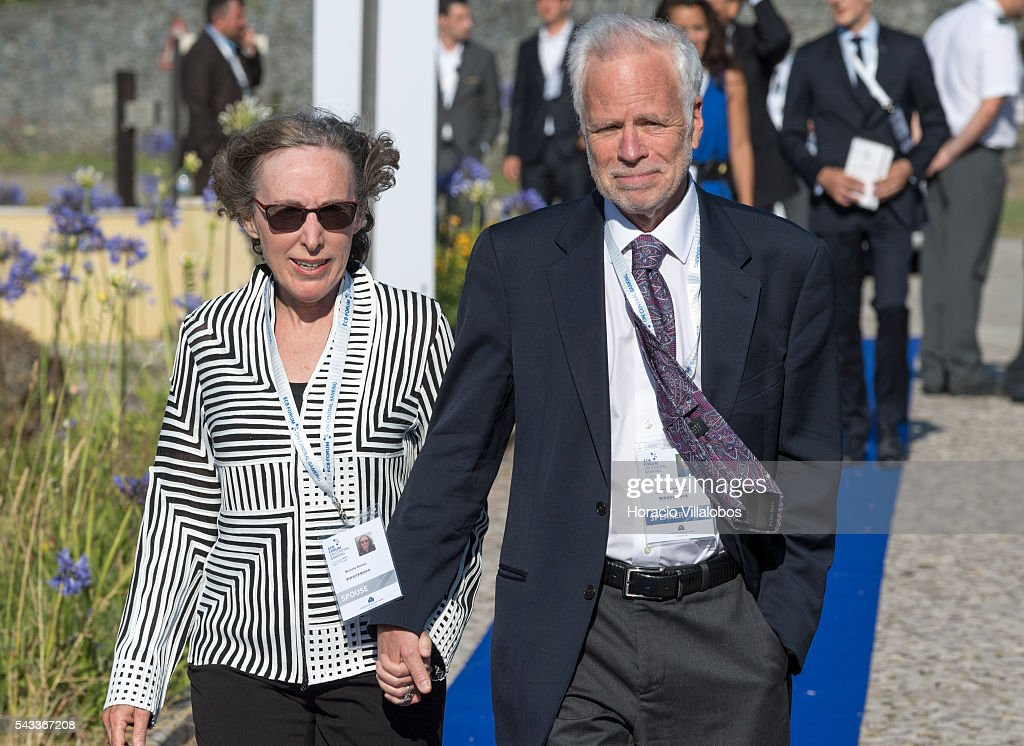 Barry Eichengreen, an American economist who holds the title of George C. Pardee and Helen N. Pardee Professor of Economics and Political Science at the University of California, Berkeley, arrives accompanied by his wife Michelle Bricker to participate as speaker in the ECB Forum on Central Banking on June 27, 2016 in Sintra, Portugal. The third annual European Central Bank Forum on Central Banking focuses on 'The future of the international monetary and financial architecture', a key topic of debate among economists and policymakers. Some 150 central bank governors, academics, financial journalists and high-level financial market representatives will discuss current policy issues and the chosen topic from a longer-term perspective.