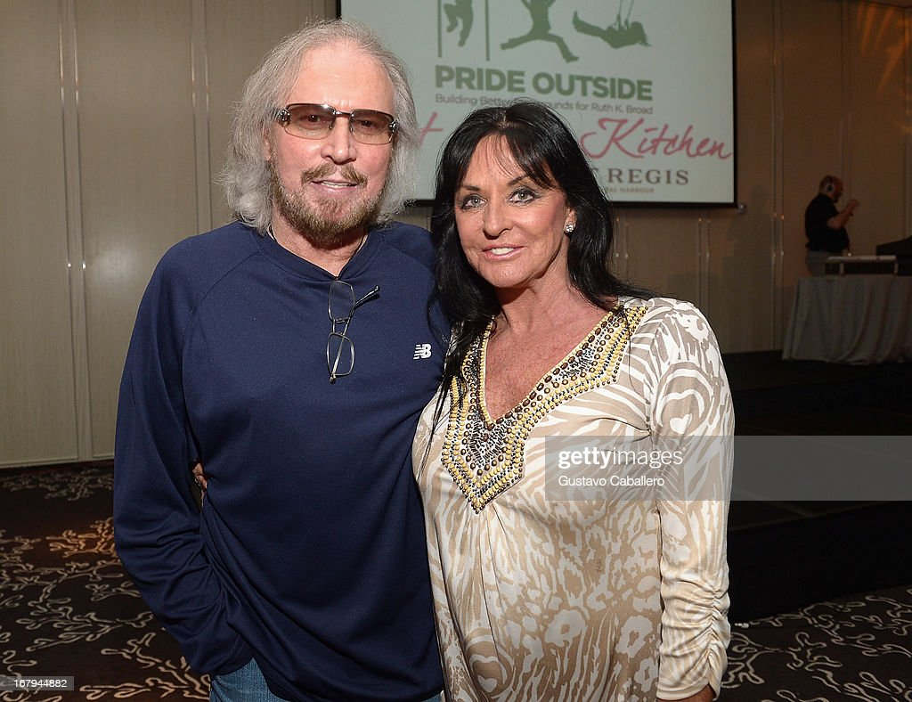 <a gi-track='captionPersonalityLinkClicked' href=/galleries/search?phrase=Barry+Gibb&family=editorial&specificpeople=208122 ng-click='$event.stopPropagation()'>Barry Gibb</a> and Linda Gibb attend Celebrity Chefs Support Pride Outside at St Regis Bal Harbour on May 2, 2013 in Miami Beach, Florida.