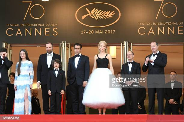 Barry Keoghan Raffey Cassidy director Yorgos Lanthimos Sunny Suljic Colin Farrell and Nicole Kidman and producers Ed Guiney and Andrew Lowe attend...