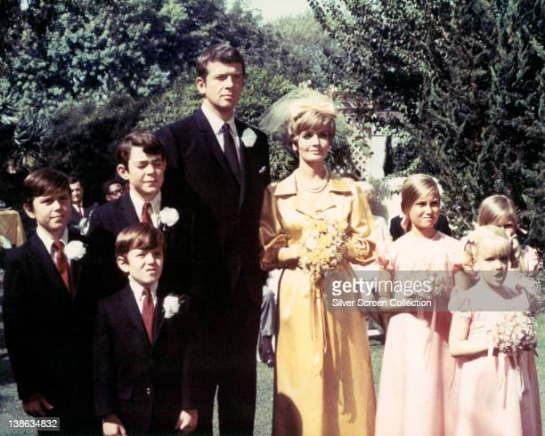 Barry Williams US actor Christopher Knight US actor Mike Lookinland US actor Robert Reed Florence Henderson US actress Maureen McCormickUS actress...