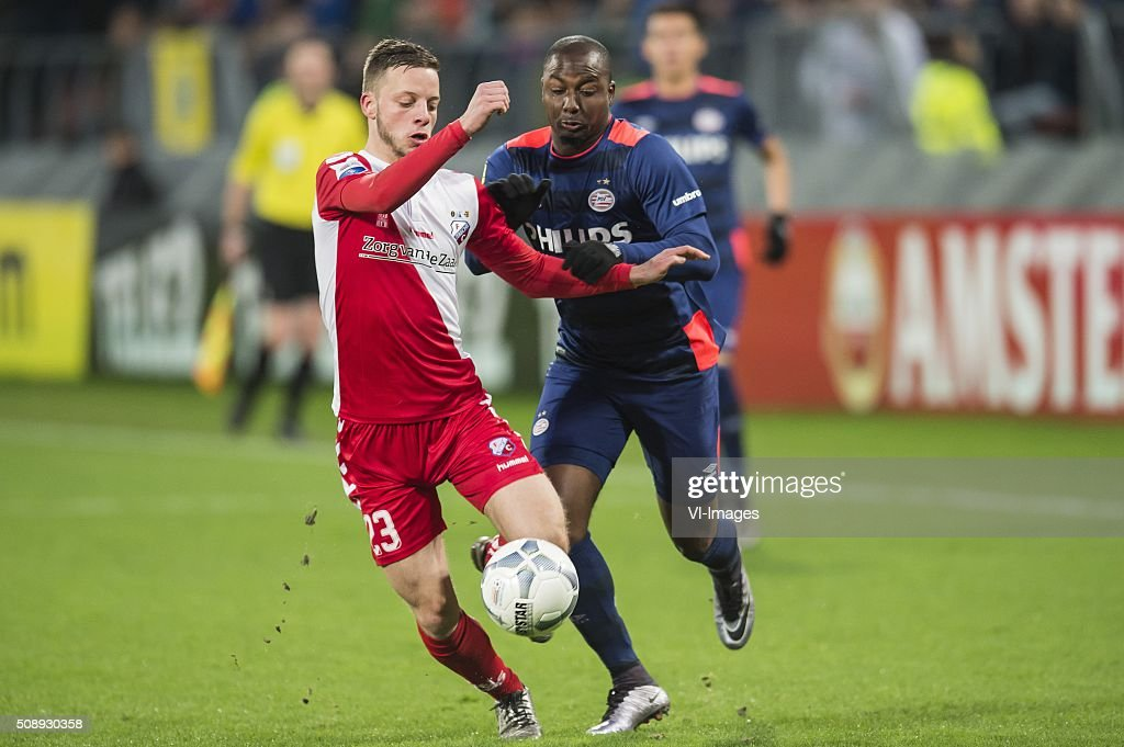 Bart Ramselaar of FC Utrecht, Jetro Willems of PSV during the Dutch Eredivisie match between FC Utrecht and PSV Eindhoven at the Galgenwaard Stadium on February 07, 2016 in Utrecht, The Netherlands