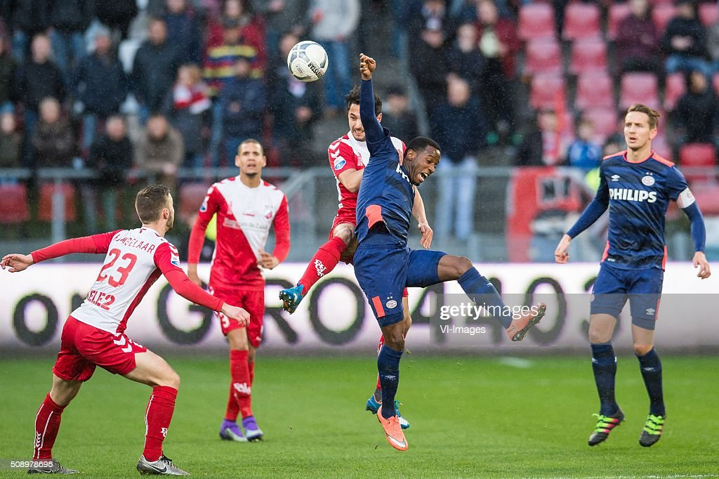 Bart Ramselaar of FC Utrecht, Ramon Leeuwin of FC Utrecht, Mark van der Maarel of FC Utrecht, Florian Jozefzoon of PSV, Luuk de Jong of PSV during the Dutch Eredivisie match between FC Utrecht and PSV Eindhoven at the Galgenwaard Stadium on February 07, 2016 in Utrecht, The Netherlands