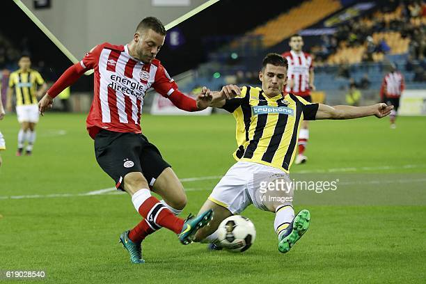 Bart Ramselaar of PSV Matt Miazga of Vitesseduring the Dutch Eredivisie match between Vitesse Arnhem and PSV at Gelredome on October 29 2016 in...