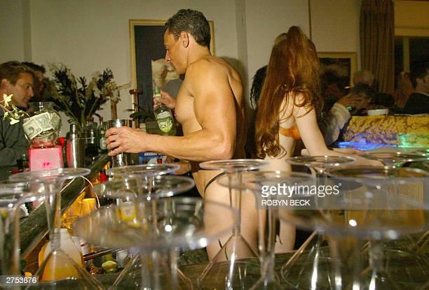 Naked Bartender 111