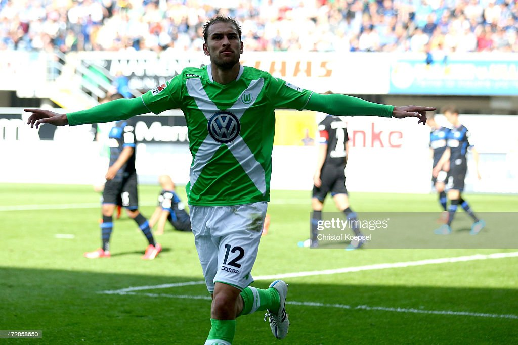 Bas Dost of Wolfsburg celebrates the third goal during the Bundesliga match between SC Paderborn 07 and VfL Wolfsburg at Benteler Arena on May 10...