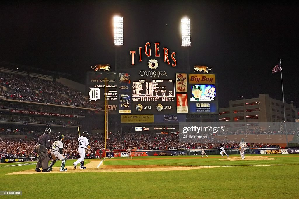 ALCS Playoffs Detroit Tigers Magglio Ordonez 30 In Action Hitting Game Winning