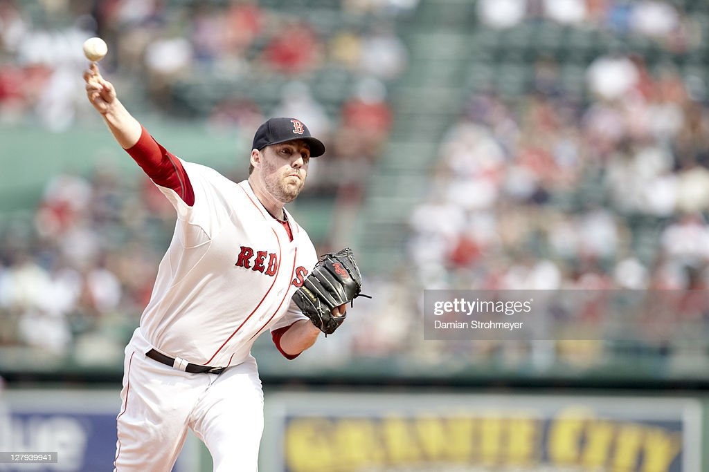 Boston Red Sox John Lackey (41) in action, pitching vs Toronto Blue Jays at Fenway Park. Damian Strohmeyer F9 )