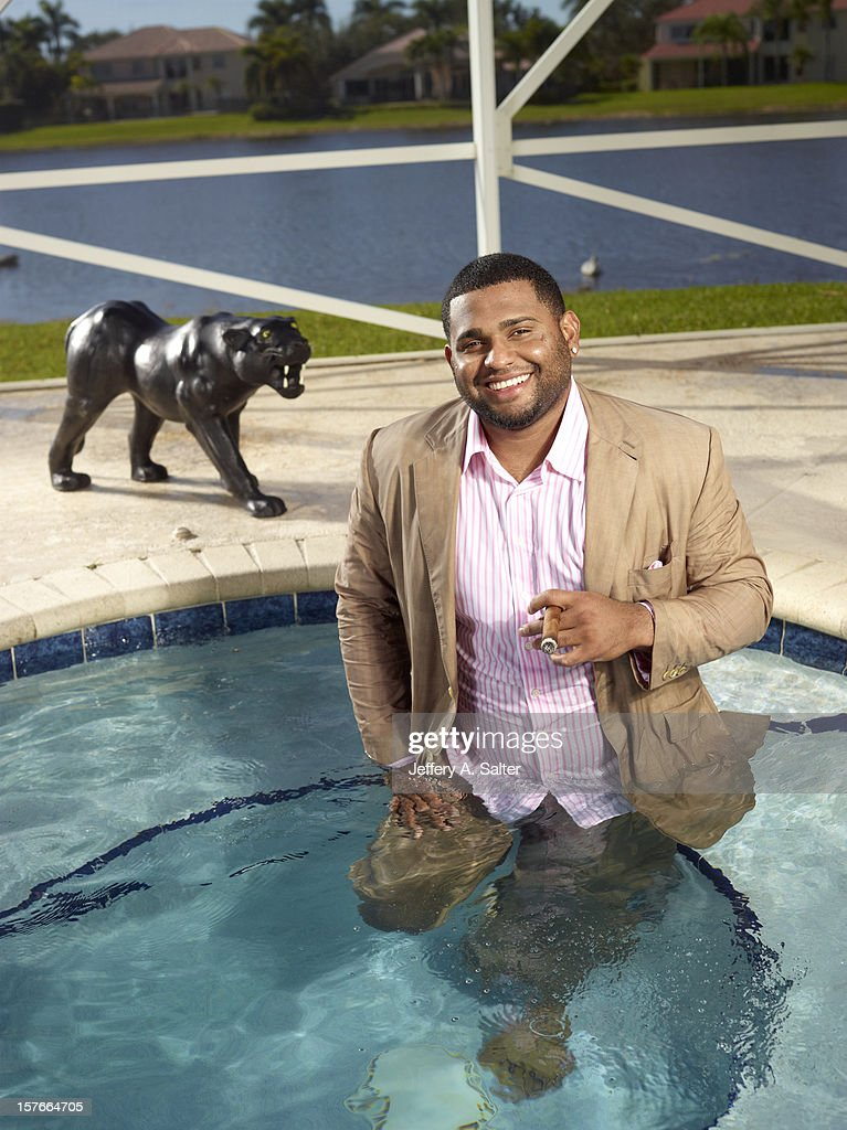 Casual portrait of San Francisco Giants Pablo Sandoval posing during photo shoot at his home. Jeffery A. Salter F97 )