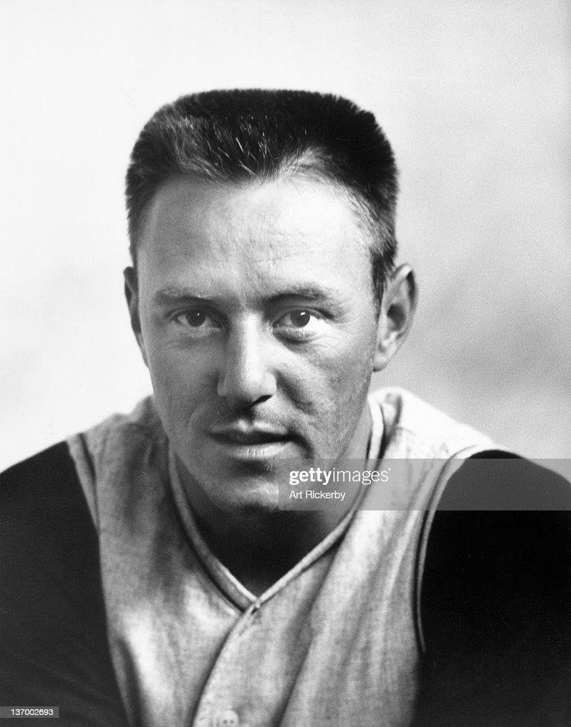 Closeup portrait of Pittsburgh Pirates Bill Mazeroski (9) posing during spring training. Art Rickerby X7396 )