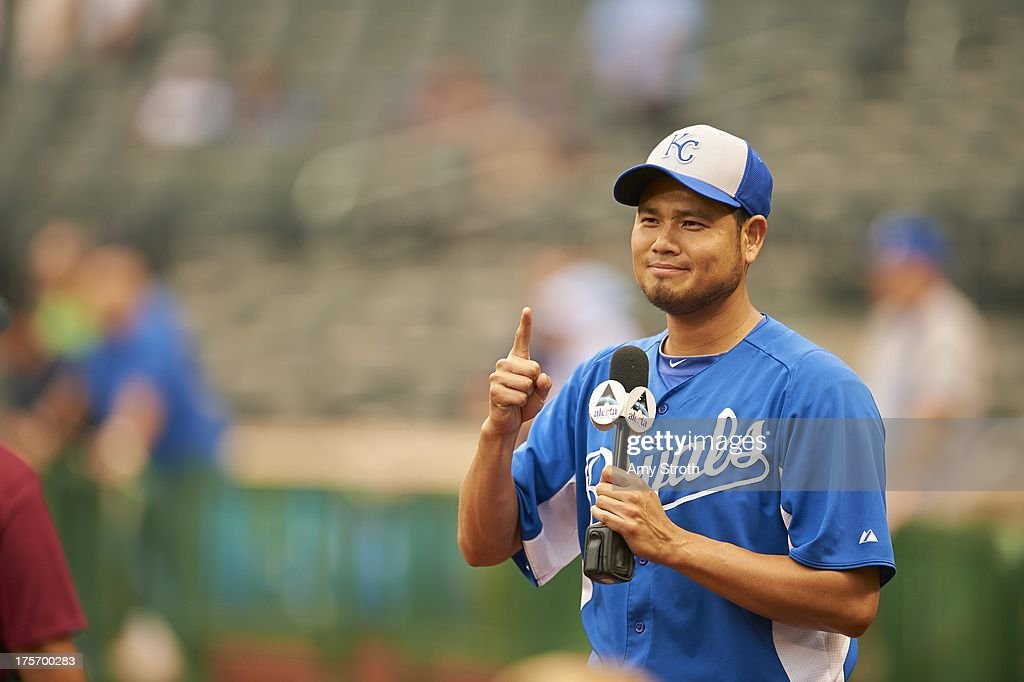 Kansas City Royals Bruce Chen (52) gives thumbs up during interview before game vs New York Mets at Citi Field. Amy Stroth F18 )