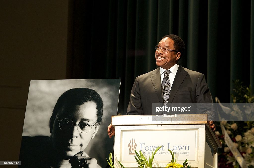 Baseball Legend <a gi-track='captionPersonalityLinkClicked' href=/galleries/search?phrase=Dave+Winfield+-+Baseball+Player&family=editorial&specificpeople=203117 ng-click='$event.stopPropagation()'>Dave Winfield</a> speaks at the Memorial Service for Don Cornelius on February 16, 2012 in Los Angeles, California.