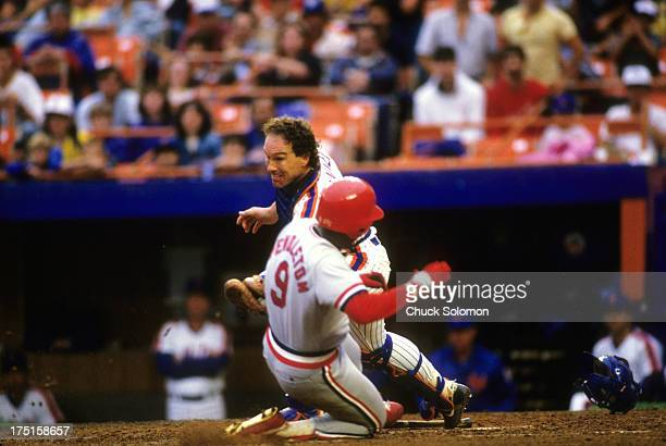 New York Mets Gary Carter in action home plate tag out St Louis Cardinals Terry Pendleton at Shea Stadium Flushing NY CREDIT Chuck Solomon