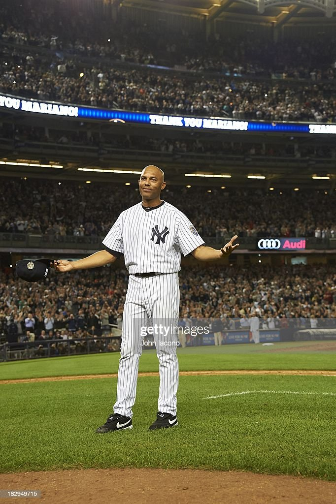 New York Yankees Mariano Rivera (42) acknowledging the crowd after leaving game vs Tampa Bay Rays at Yankee Stadium. Final home game of Rivera's career. John Iacono F23 )