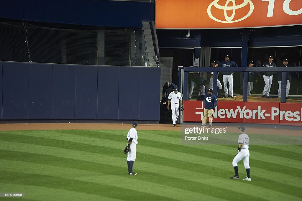 New York Yankees Mariano Rivera (42) exiting bullpen onto field during game vs Tampa Bay Rays at Yankee Stadium. Final home game of Rivera's career. Porter Binks F3 )
