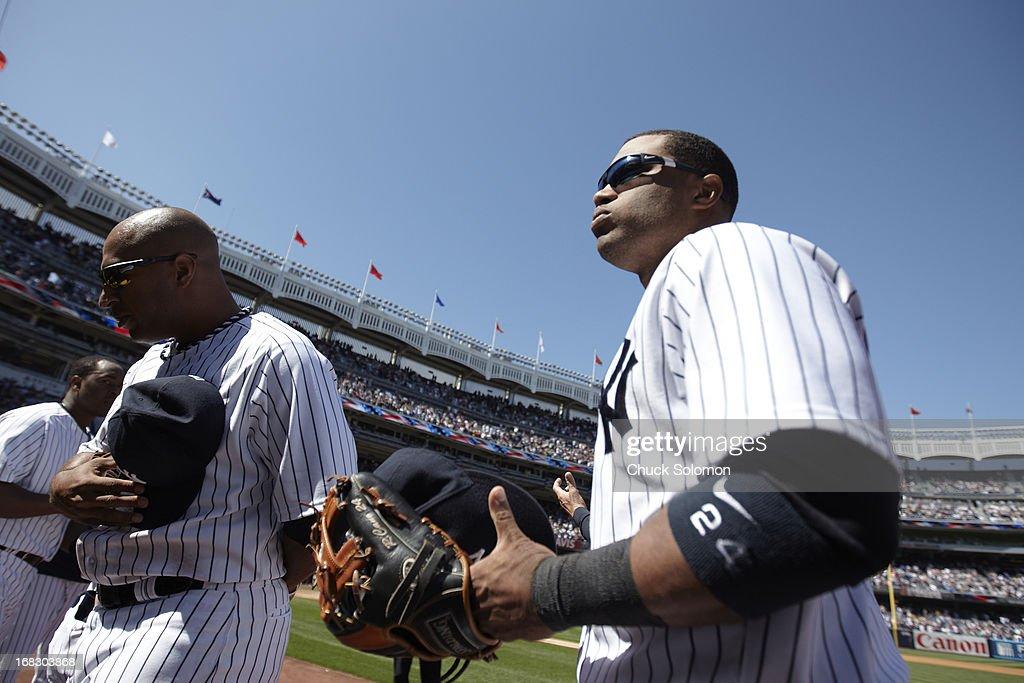 New York Yankees Robinson Cano (24) during game vs Oakland Athletics at Yankee Stadium. Chuck Solomon F125 )