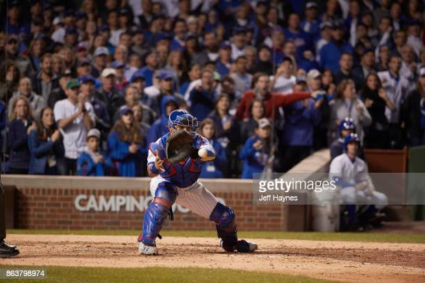 NLCS Playoffs Chicago Cubs Willson Contreras in action field vs Los Angeles Dodgers at Wrigley Field Game 3 Chicago IL CREDIT Jeff Haynes