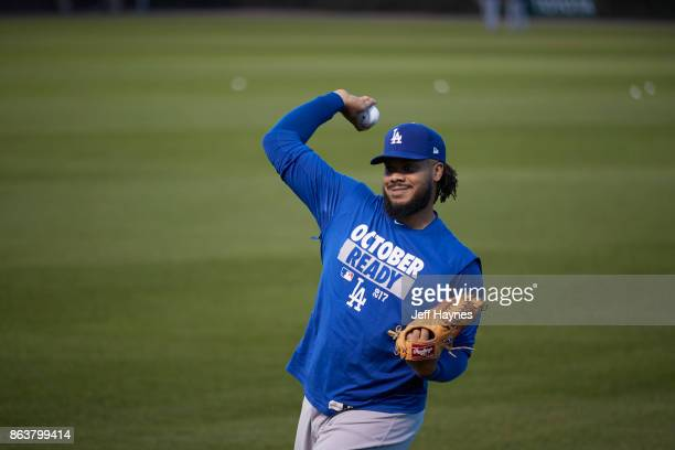 NLCS Playoffs Los Angeles Dodgers Kenley Jansen warming up before game vs Chicago Cubs at Wrigley Field Game 3 Chicago IL CREDIT Jeff Haynes