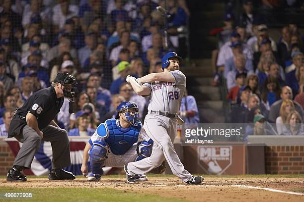 NLCS Playoffs New York Mets Daniel Murphy in action at bat hitting home run vs Chicago Cubs at Wrigley Field Game 3 Chicago IL CREDIT Jeff Haynes