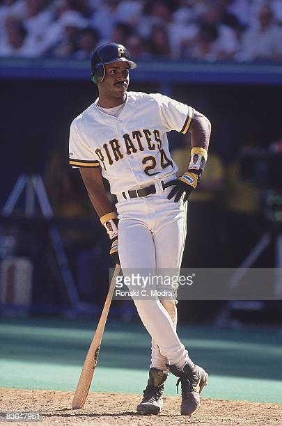 Pittsburgh Pirates Barry Bonds on field in batter's box during game vs Los Angeles Dodgers Pittsburgh PA 6/13/1991 CREDIT Ronald C Modra