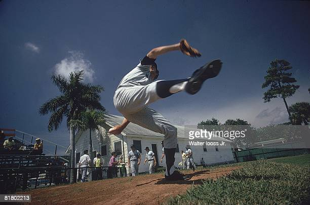 Baseball Pittsburgh Pirates Sam McDowell in action during spring training Bradenton FL 3/6/1974