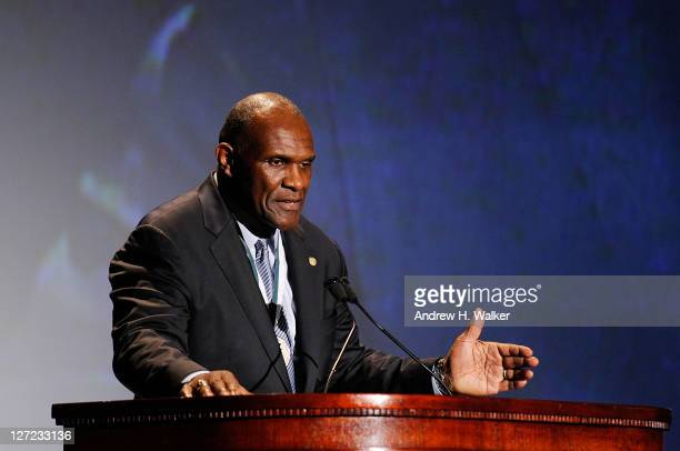 Baseball player Andre Dawson attends the 26th Annual Great Sports Legends Dinner to benefit the Buoniconti Fund To Cure Paralysis at The...