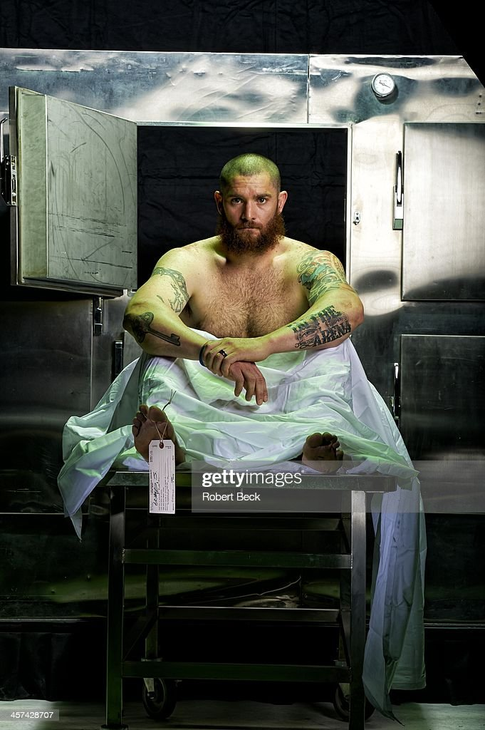 Portrait of Boston Red Sox left fielder Jonny Gomes casual, posing during photo shoot at Studio 3D. Robert Beck F55 )