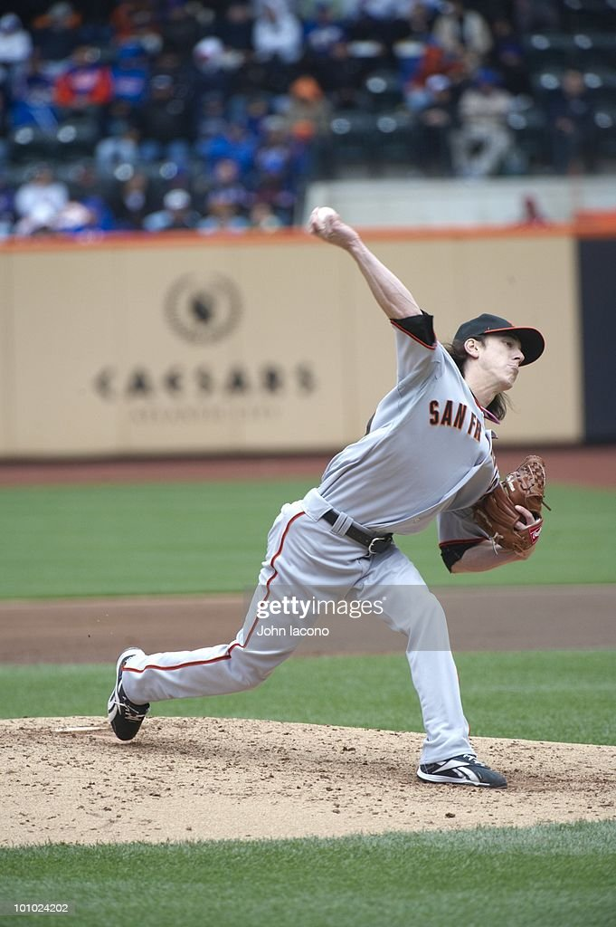 San Francisco Giants Tim Lincecum (55) in action, pitching vs New York Mets. Flushing, NY 5/9/2010
