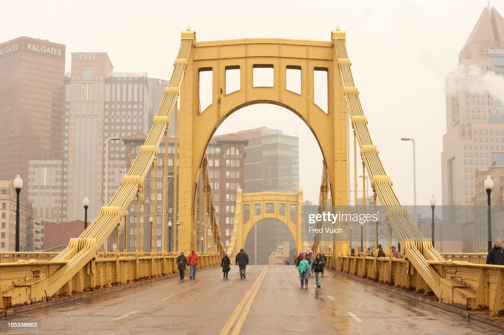View of Pittsburgh Pirates fans crossing Roberto Clemente Bridge before game vs Chicago Cubs. Fred Vuich F123 )