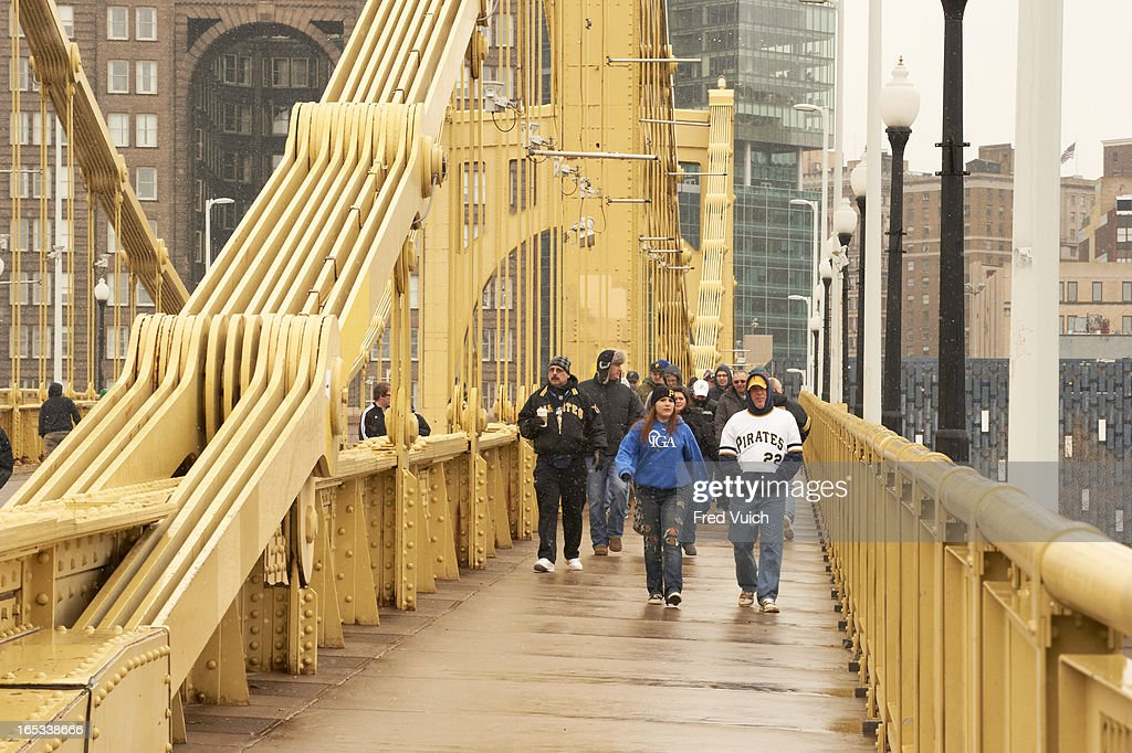 View of Pittsburgh Pirates fans crossing Roberto Clemente Bridge before game vs Chicago Cubs. Fred Vuich F2 )